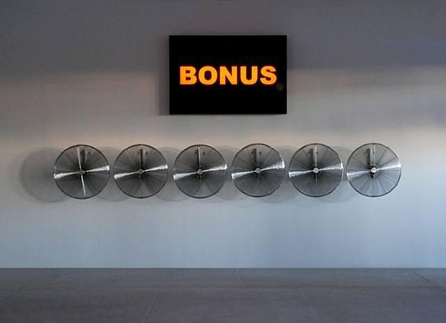 BONUS-Storm - Hans Haacke