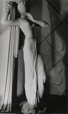 Pavilion de l'elegance (Madeleine Vionnet) - Wols